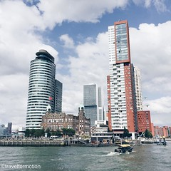 #goodmorning #rotterdam day 2 of the #citytrip #loverotterdam #visitrotterdam #blue #sky #clouds #city #landscape #netherlands #ignetherlands #igrotterdam #vsco #vscocam #wanderlust #travel #travelgram #skyscrapers #architecture #architecturelovers #water