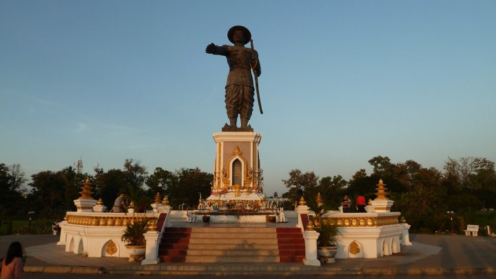King Anouvong Statue, Vientiane