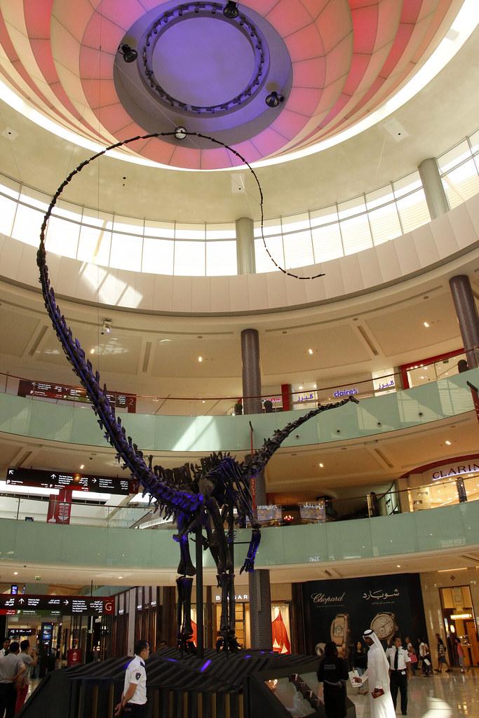 Misty dinosaueren i Dubai Mall