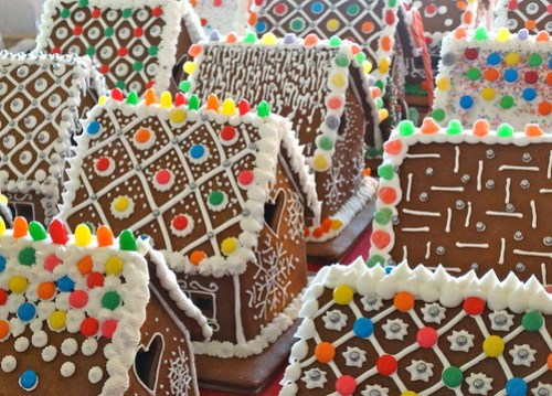 OKEKSE GINGERBREAD HOUSES