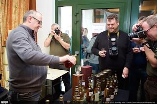 Eric staat in de spotlights, of is het voor die speciale 40 jaar oude whisky