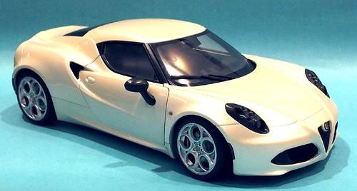 AutoArt Alfa Romeo 4C (3)