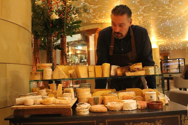 Mesa de quesos en 'Fred', Róterdam