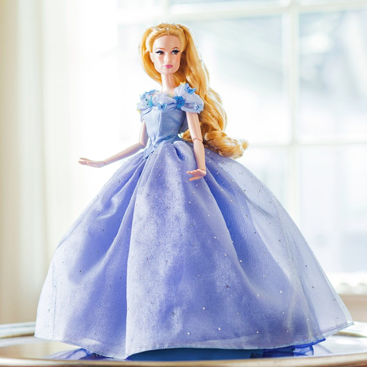 Disney store Cinderella limited edition nukke