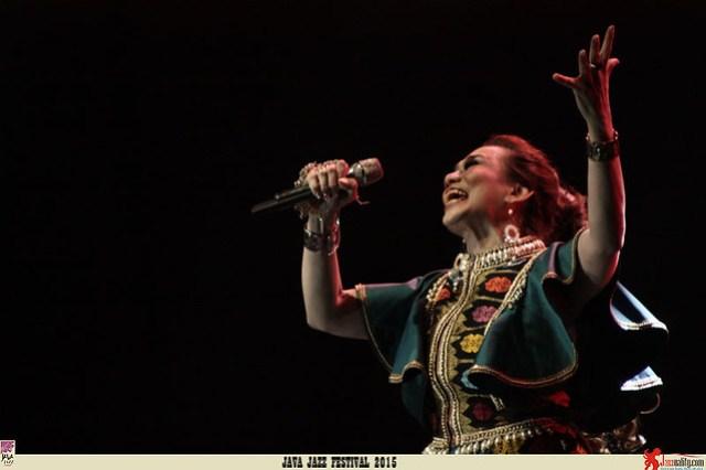ava Jazz Festival 2015 Day 2 - Reza Artamevia