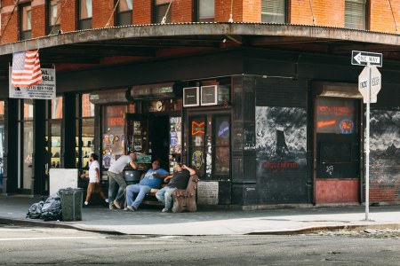 New-York-City-coyote-ugly-bar