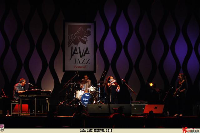 Java Jazz Festival 2015 Day 2 - Ginetta Vendetta and Tony Monaco (2)