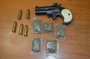 """Cae presunto líder de banda pandilleril """"los monkikis"""" con arma de fuego y droga"""