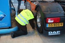 Последние проверки DAF перед заездом на European Truck Challenge 2014