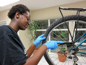 2014 39 Bike Clinic_300