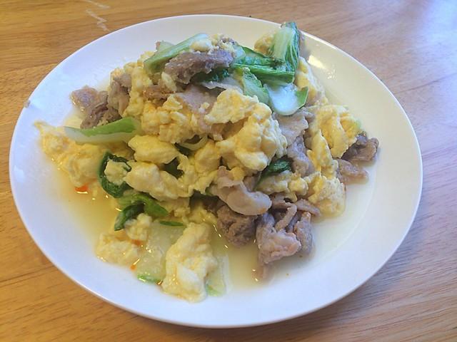 ちんげん菜と豚肉の卵炒め