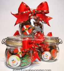 Red Jar - Mini gingerbread cookies