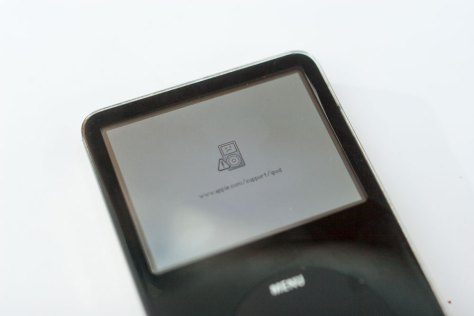 _MG_0077_iPod_Classic_Video_5G_sad_iPod_Fehlermeldung