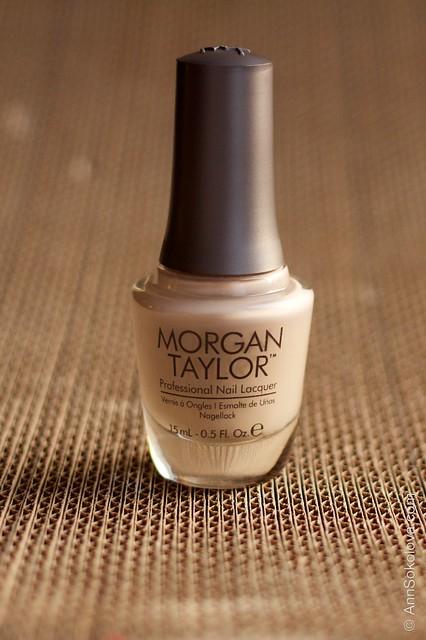 01 Morgan Taylor   Simply Spellbound