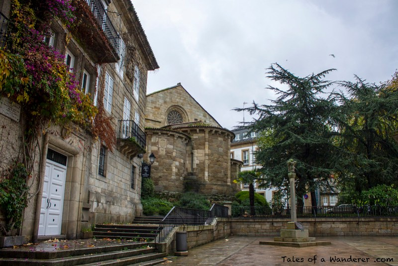 A CORUÑA - Plaza de la Constitución - Igrexa de Santiago