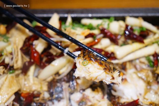 29162373800 42bdb853fd z - 熱血採訪│城裡城外巫山烤魚,台中第一間巫山烤魚,老闆是正宗大陸人,消費打卡送一壺涼茶