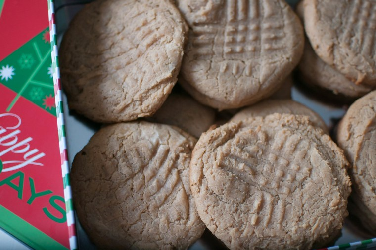 4 Ingredient Peanut Butter Cookies 2