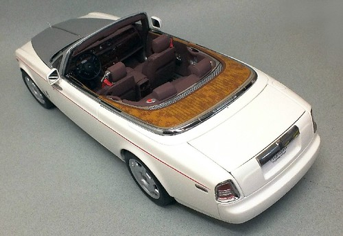 Kyosho RR Phantom coupé 1-18 (23)