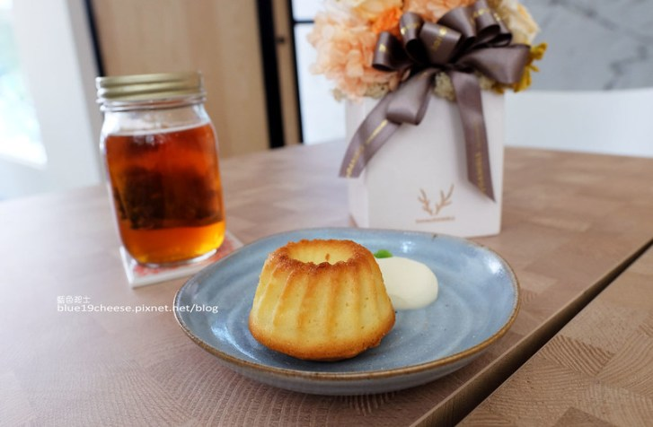 28796003211 a8cd2665db c - NowPlace現在-早午餐甜點義大利麵茶品.簡單有型裝潢.富士山磅蛋糕不錯.東萫來泰緬料理對面.逢甲商圈