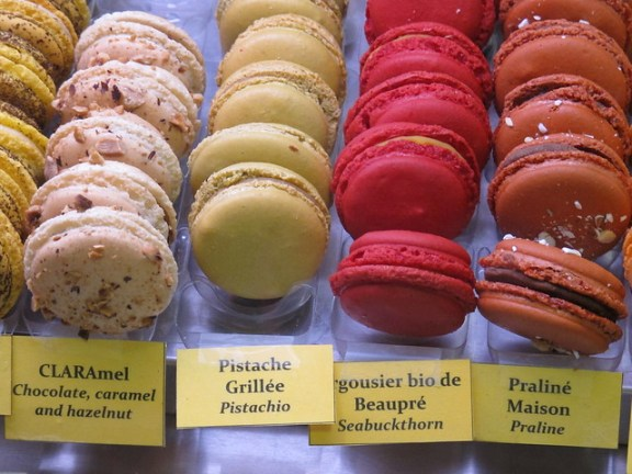 macaroons, Quebec City Couchsurfing experience