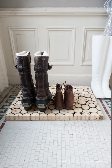 Diy Rustic Wood Doormat Or Boot Tray Made From Wood Slices
