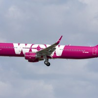 TF-MOM WOW AIR Airbus A321-211 (EGKK) 30/03/2015