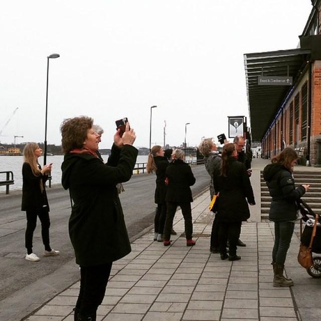 We stonden erbij en we keken ernaar #eclips #stockholm #fotografiskamuseet