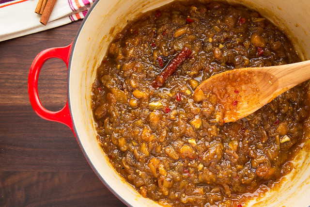 cooked chutney in pot