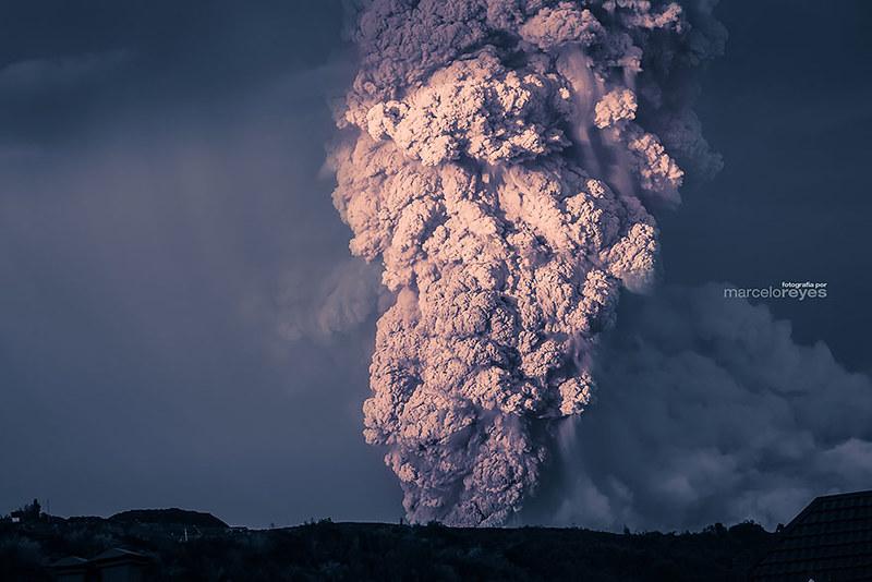 volcano-eruption-calbuco-chile-11__880