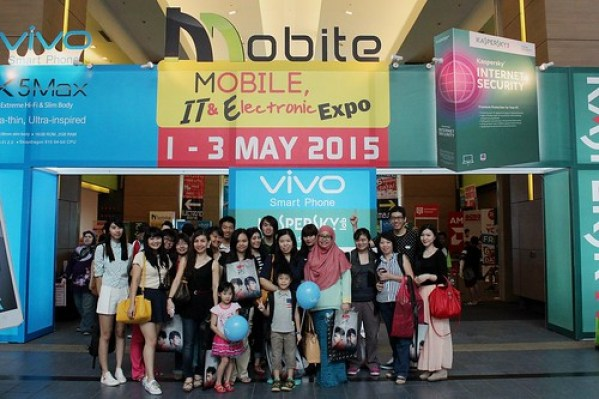Bloggers at MOBITE