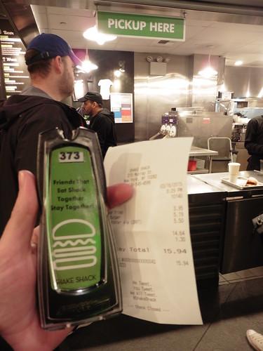Dónde comer y gastronomía en Nueva York: Hamburguesa en Shake Shack.