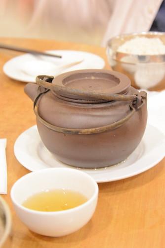 柴藤レストランの薬膳スープ
