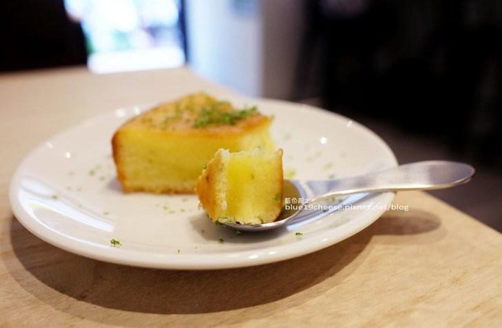 28804066520 188cae77be c - J.W. Cafe-放棄百萬年薪工程師的漂亮拉花拿鐵.甜點推薦乳酪蛋糕和貝果.近清真恩德元餃子館