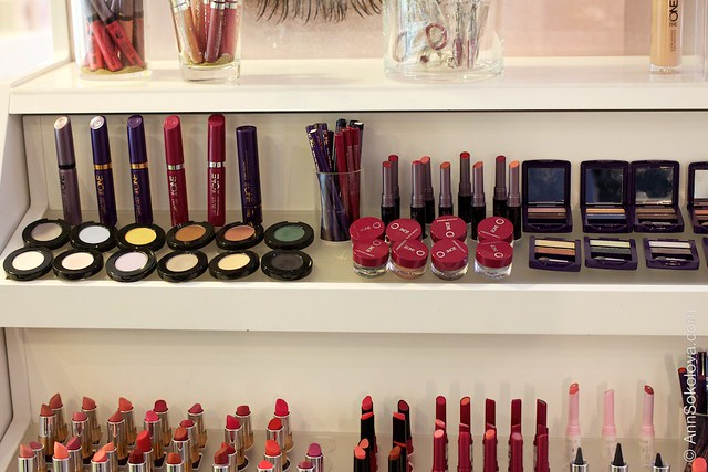 57 Oriflame Concept store in Stockholm