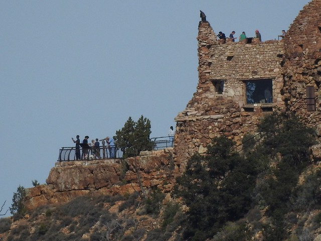 Часовая Башня в гранд каньоне и туристы