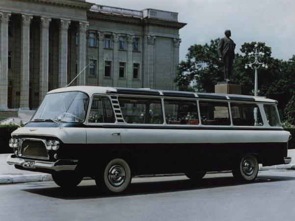 ЗиЛ-118 Юность стал первым микроавтобусом завода