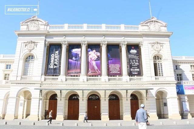 De visita en el Teatro Municipal de Santiago de Chile -09.04.2015-
