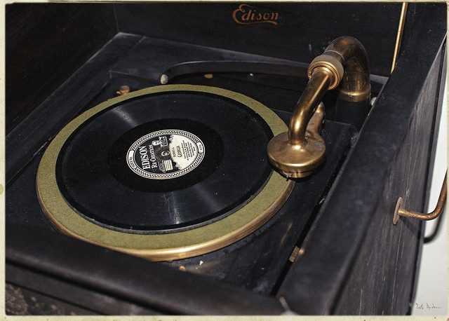 Edison Diamond Disc Phonograph