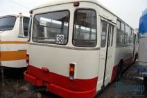 ЛиАЗ-677М справа