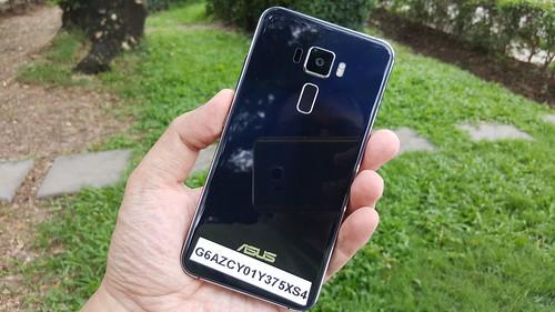 ASUS Zenfone 3 ZE520KL ด้านหลัง