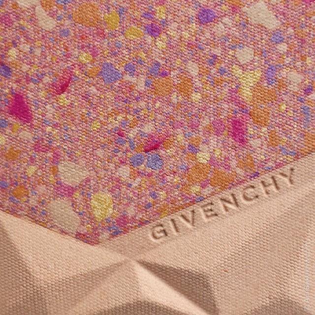 10 Givenchy Le Prisme Visage   Color Confetti macro
