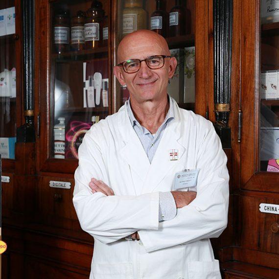 Franco Fanchiotti, Titolare e Farmacista Farmacia Fanchiotti Vale Giulio Cesare Novara