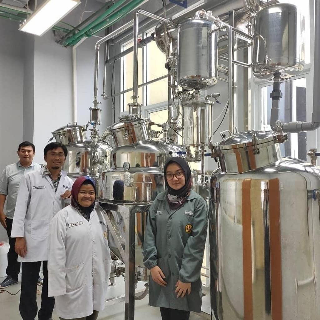 Farmasi Unpad dan PT Lawsim Berkomitmen Tingkatkan Kompetensi Farmasi Industri