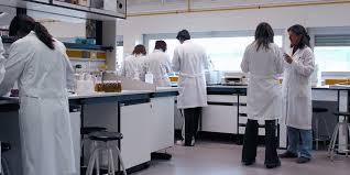 Apa yang perlu diketahui oleh Apoteker yang akan masuk Industri Farmasi?