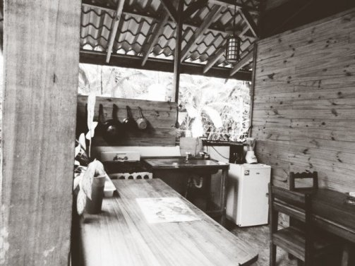 The kitchen in the cabina