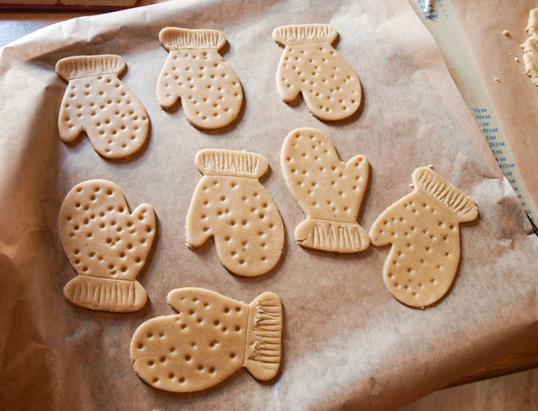 As well as Sweet gingerbread men you can make other shapes, like these mittens