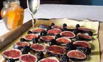 Drizzled with honey, this Fig, Honey and Almond Tart is easy to make and tastes divine