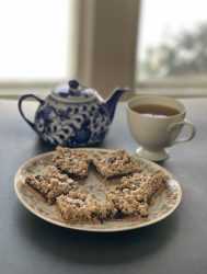 Mincemeat cookie bars served with tea