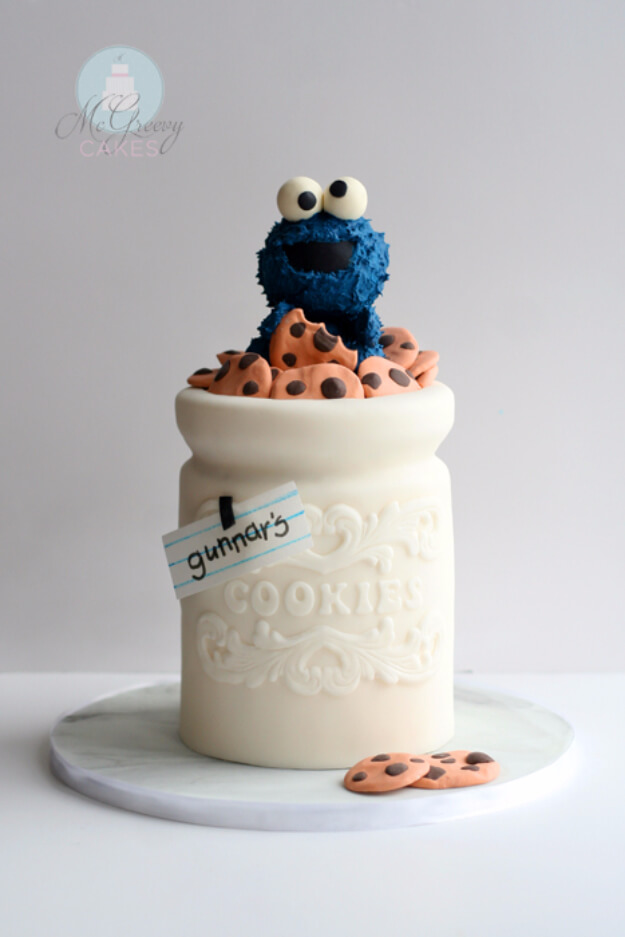 Cookie Jar Cake
