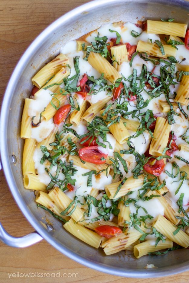 Easy Dinner Ideas for Two - One Pan Caprese Pasta - Quick, Fast and Simple Recipes to Make for Two People - Freeze and Make Ahead Dinner Recipe Tips for Best Weeknight Dinners - Chicken, Fish, Vegetable, No Bake and Vegetarian Options - Crockpot, Microwave, Healthy, Lowfat Options